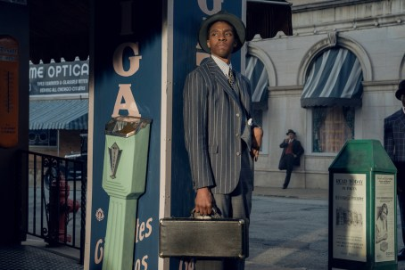 MA RAINEY'S BLACK BOTTOM (2020) Chadwick Boseman as Levee. Cr. David Lee/NETFLIX