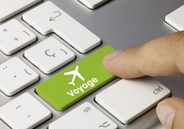 Billet d'avion, hôtel : par Internet ou par une agence de voyage?