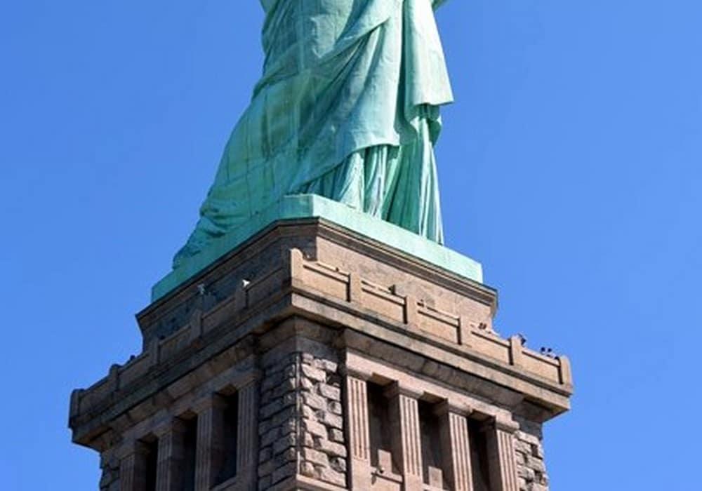 staue,statue de la liberté,liberté,miss liberty,liberty Island,ferry,piedestal,couronne,crown,options,visite,réservation,Battery Park,Ellis Island,island,musée de l'immigration,musée