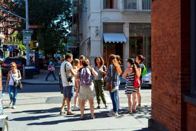 visites,guidées,en français,français,New York en Français,Queens,Harlem,Brooklyn,vélo,pieds,groupe,touristes,Soho,guide,food tour,test,tester