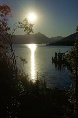 Lake Te Anau kurz vor Sonnenuntergang