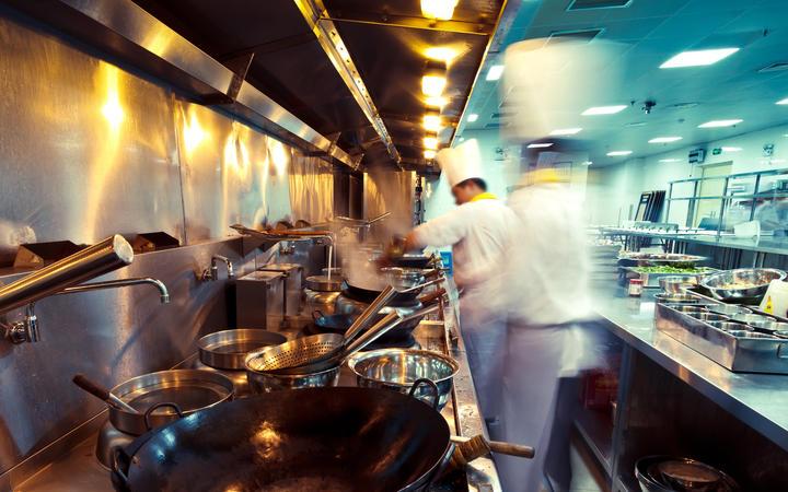 新冠肺炎造成全球航空业损失460亿;旅游禁令对中餐厅的影响