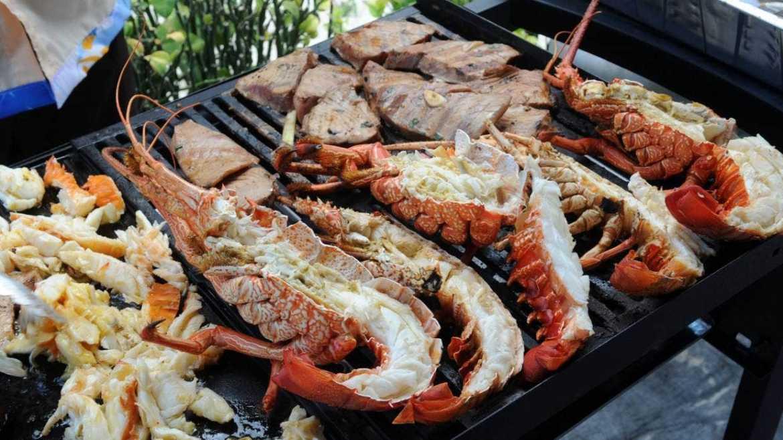 100新元一只龙虾,新西兰龙虾热销中国
