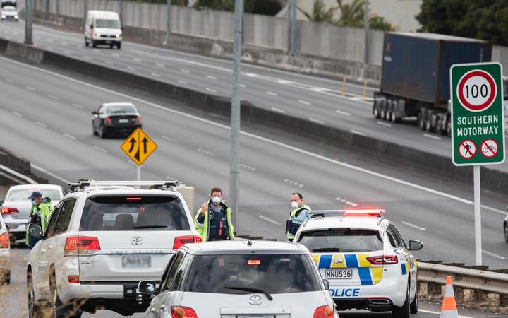 即时消息:新西兰再回疫情警戒状态七天