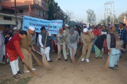 'Safai Abhiyan and Tree Plantation by Nirankari Devotees in Chandigarh'