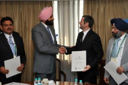 Majithia inks MoUs worth rs 13,500 crore for  Solar projects in punjab