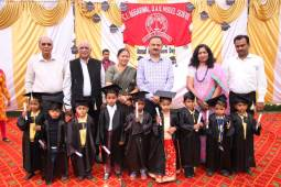C.L. Aggaral DAV-7 organized Annual prize distribution and Graduation cum recognition ceremony