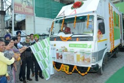 """Herbalife Launches """"Sales Centre on Wheels"""" in Ludhiana"""