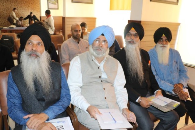 h-s-phoolka-at-the-launch-of-campaign-digest-on-1984-sikh-massacre-at-chandigarh-press-club-on-monday-small