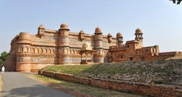 LA MAGIA DE LA INDIA EN TRENPicture of Gwalior Fort in Madhya Pradesh, India.