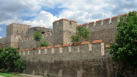 walls-of-constantinople-istanbul-turkey-720x405