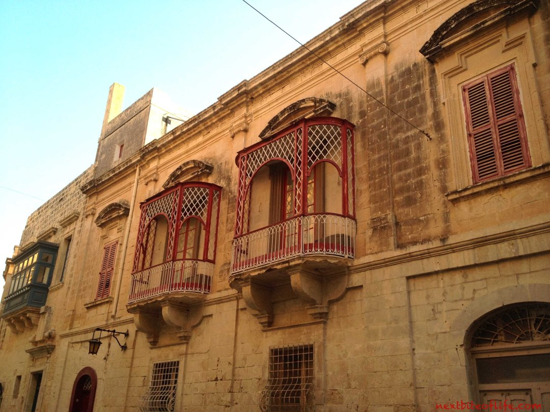 mdina malta windows red color