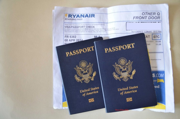 pack for short trips ryanair boarding pass and passport