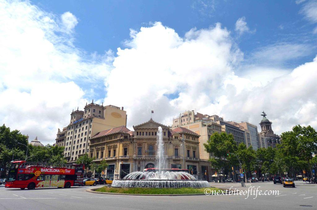 plaza catalunya fountain barcelona