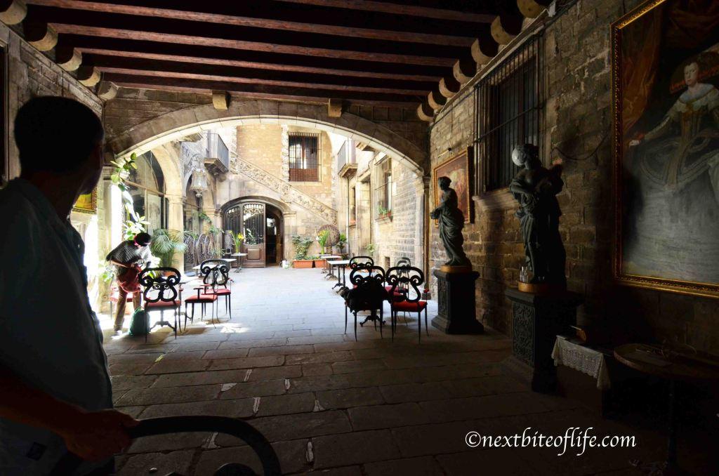 el born neighborhood outdoor flamenco venue