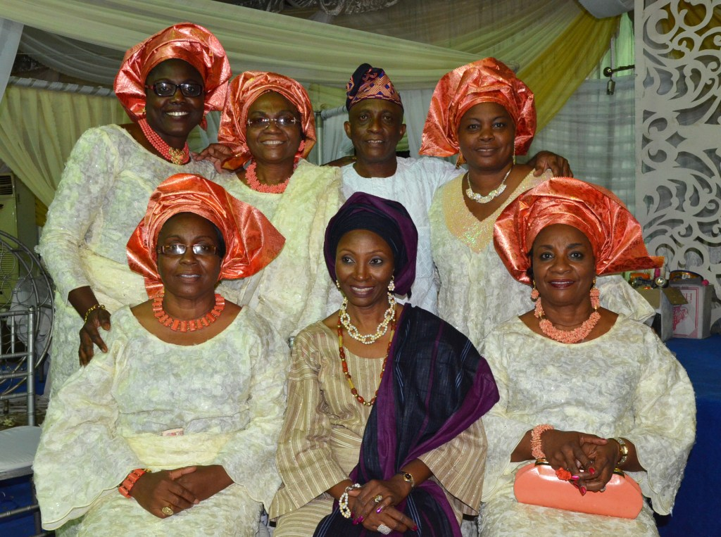 brothers and sisters in nigerian wedding attire traditional