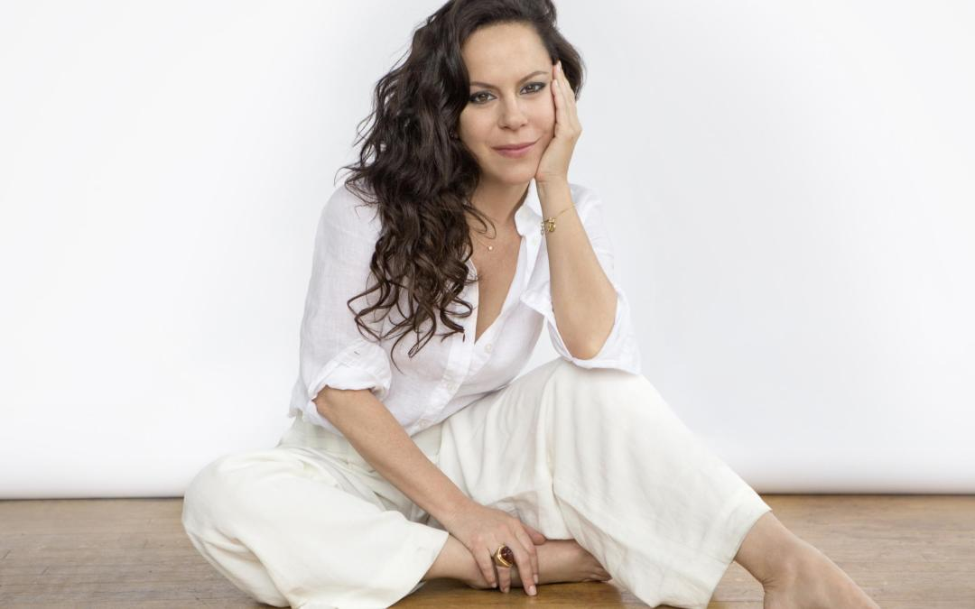 Bebel Gilberto – Fab Friday Find Music