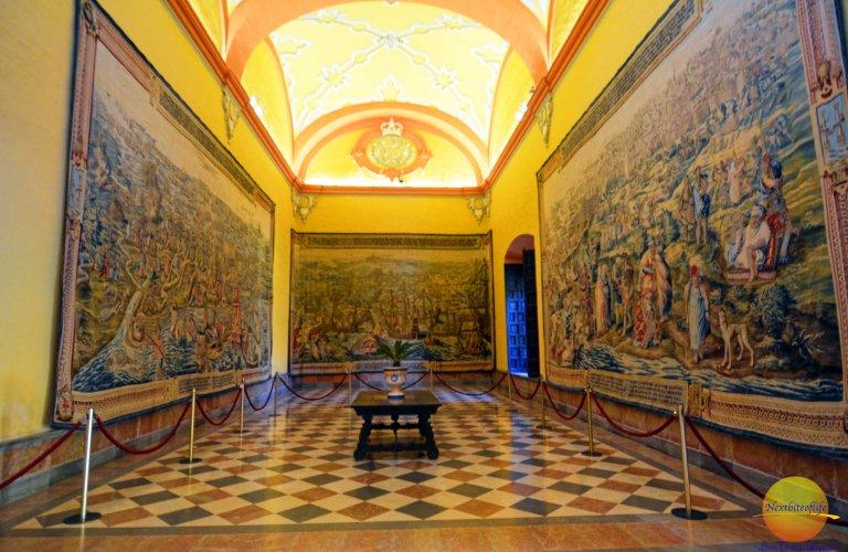 alcazar tapestries hall