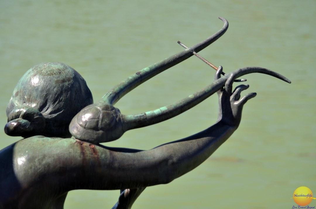 retiro park statue