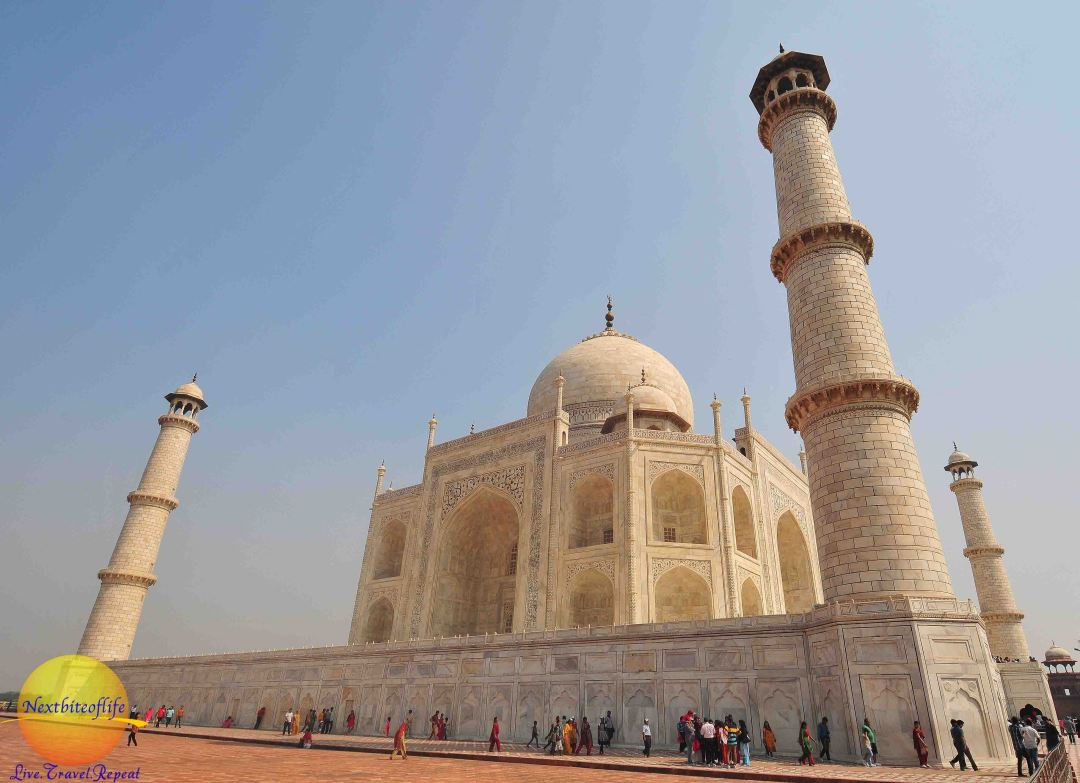 Absolutely beautiful side view of the Taj Mahal