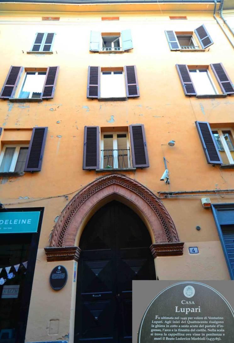 bologna italy building