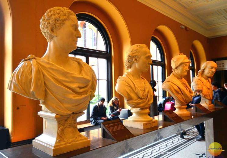 busts at v#a museum london