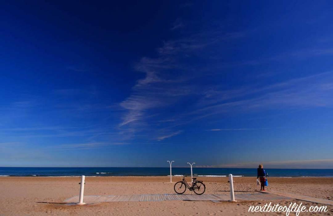 life in valencia spain malvarosa beach