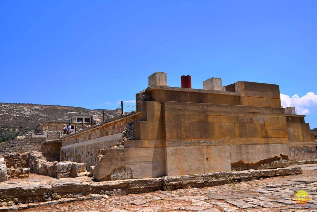 side view knossos palace