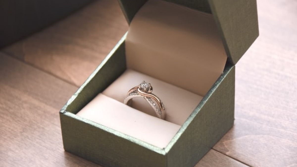 How to Select the Perfect Engagement Ring? Check out these 6 steps. 5