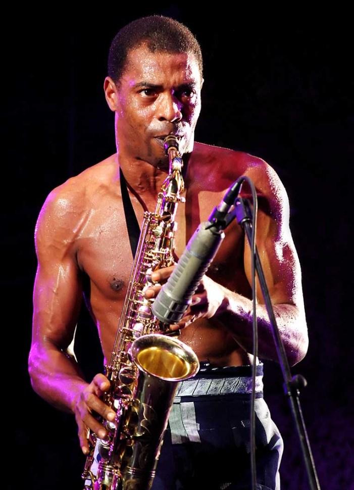 Femi Kuti breaks world saxophone record