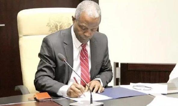 Atrocities:  Osinbajo orders probe, overhaul of SARS