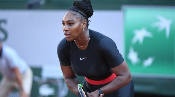 Serena Williams sets up 4th round showdown with Sharapova