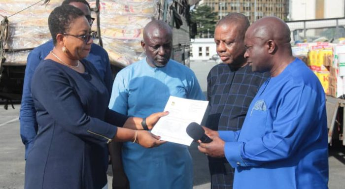 Agip Company, NNPC and OANDO Donate Relief Materials to Victims of Flood in Rivers State