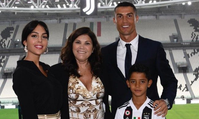 Football Star, Cristiano Ronaldo, set to marry his girlfriend