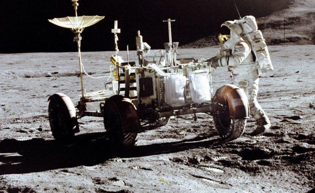قمر-1