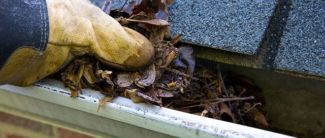 Gutter-cleaning-kelowna-bc