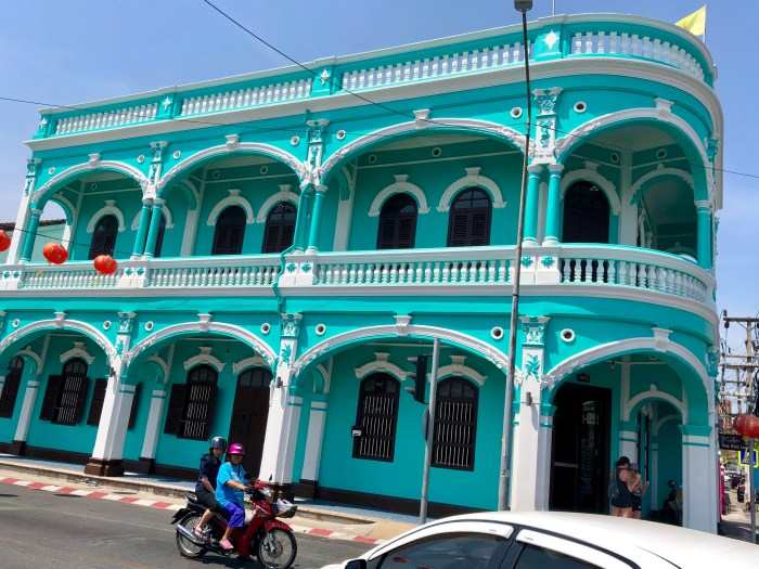 Visiting the colorful phuket old town