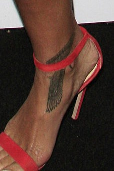 Rihanna Foot Tattoo : rihanna, tattoo, Rihanna's, Tattoos, [2021, Celebrity, Guide]