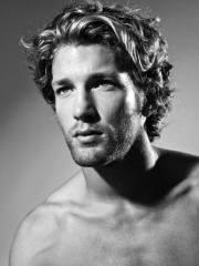 surfer hair men - 50 beach