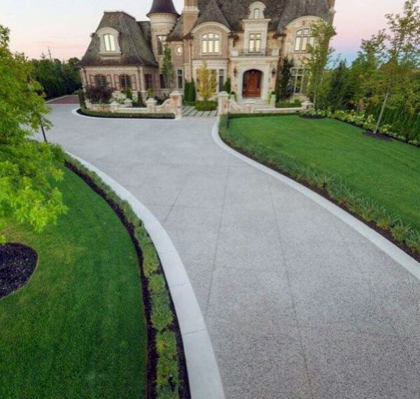 25+ Concrete Driveway Landscaping Ideas Pictures and Ideas ...