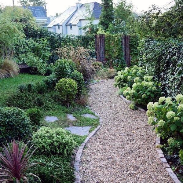 gravel walkway ideas
