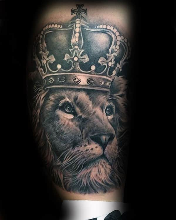 Lion And Crown Tattoo : crown, tattoo, Crown, Tattoo, Designs, Royal, Ideas