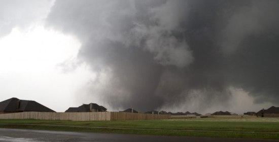 Oklahoma City tornado 600 volte pi potente della bomba atomica su Hiroshima
