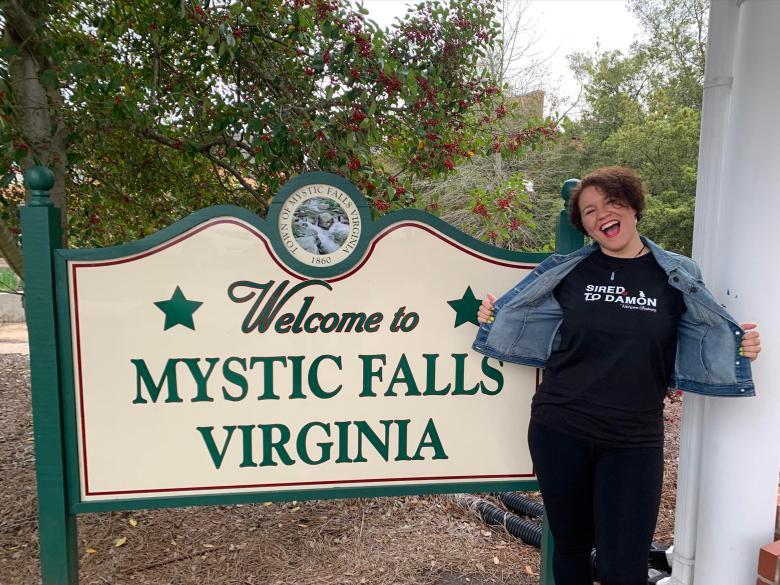 Mystic Falls sign