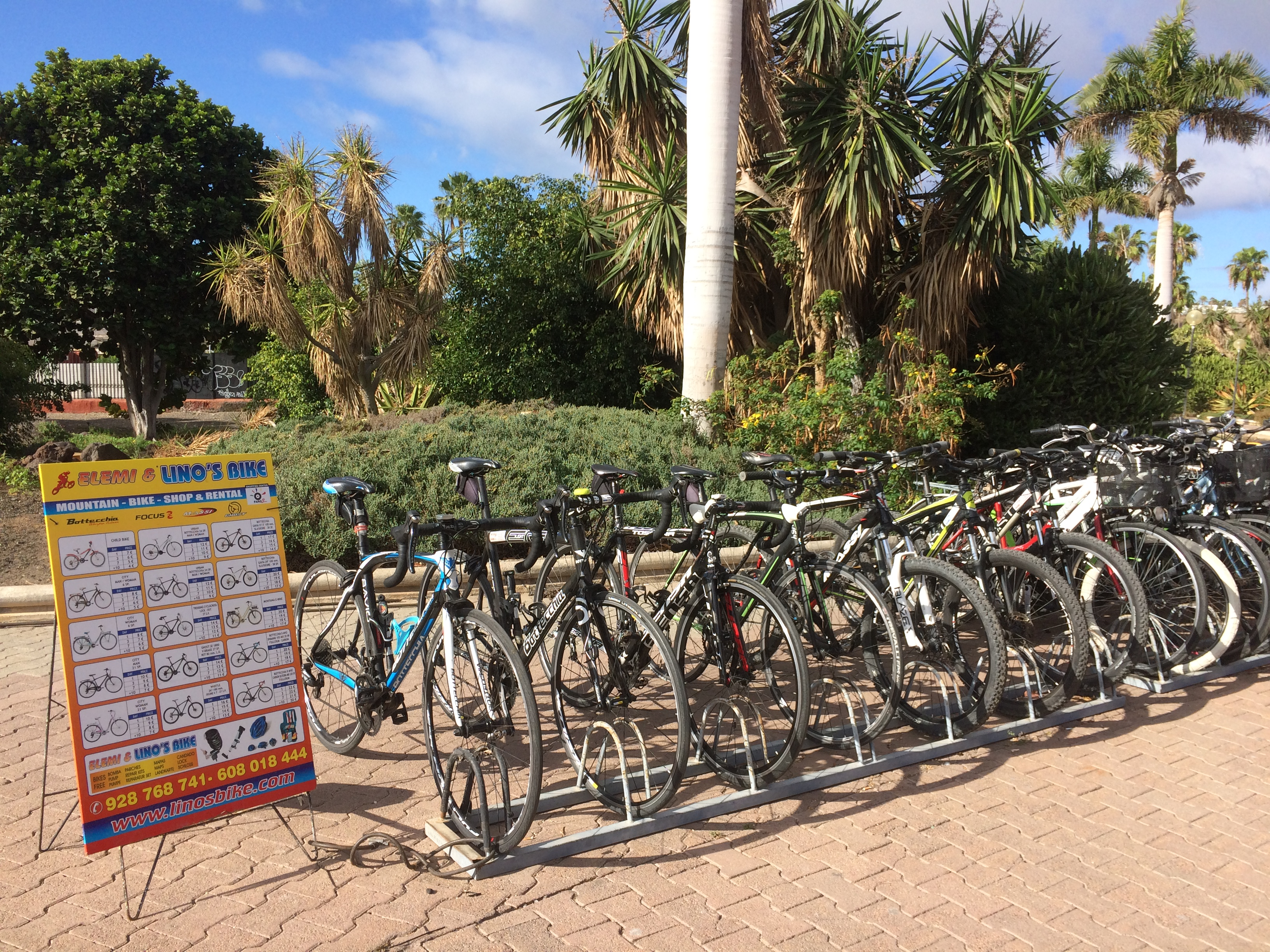 Top 5 things to do in Gran Canaria: renting bicycles