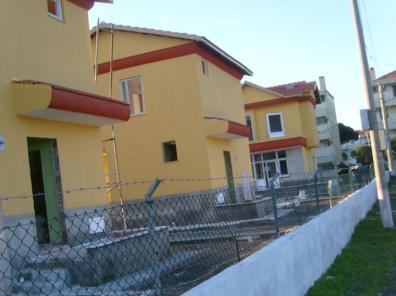 Altınova Sahilinde Müstakil Villalar