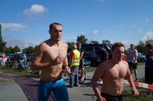 Fabian (rechts) ist eine Bombenzeit für uns geschwommen!