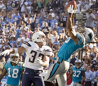 Dante Rosario's catch silences the Charger faithfull in week 1 (photo by AP)