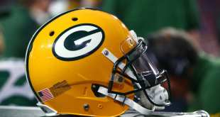 Packers-Helmet Packers Sign LS Taybor Pepper To Futures Deal