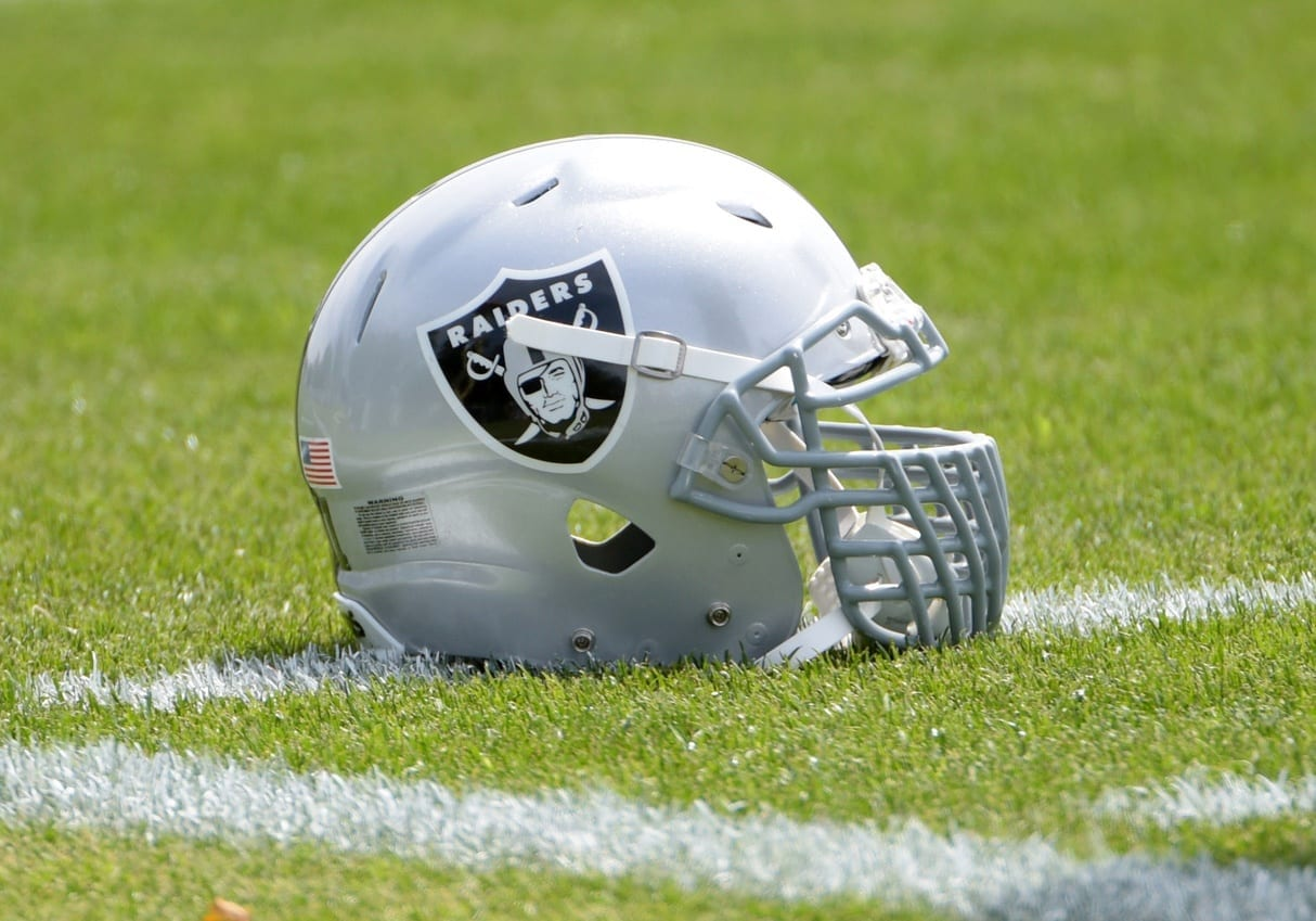 Raiders-helmet